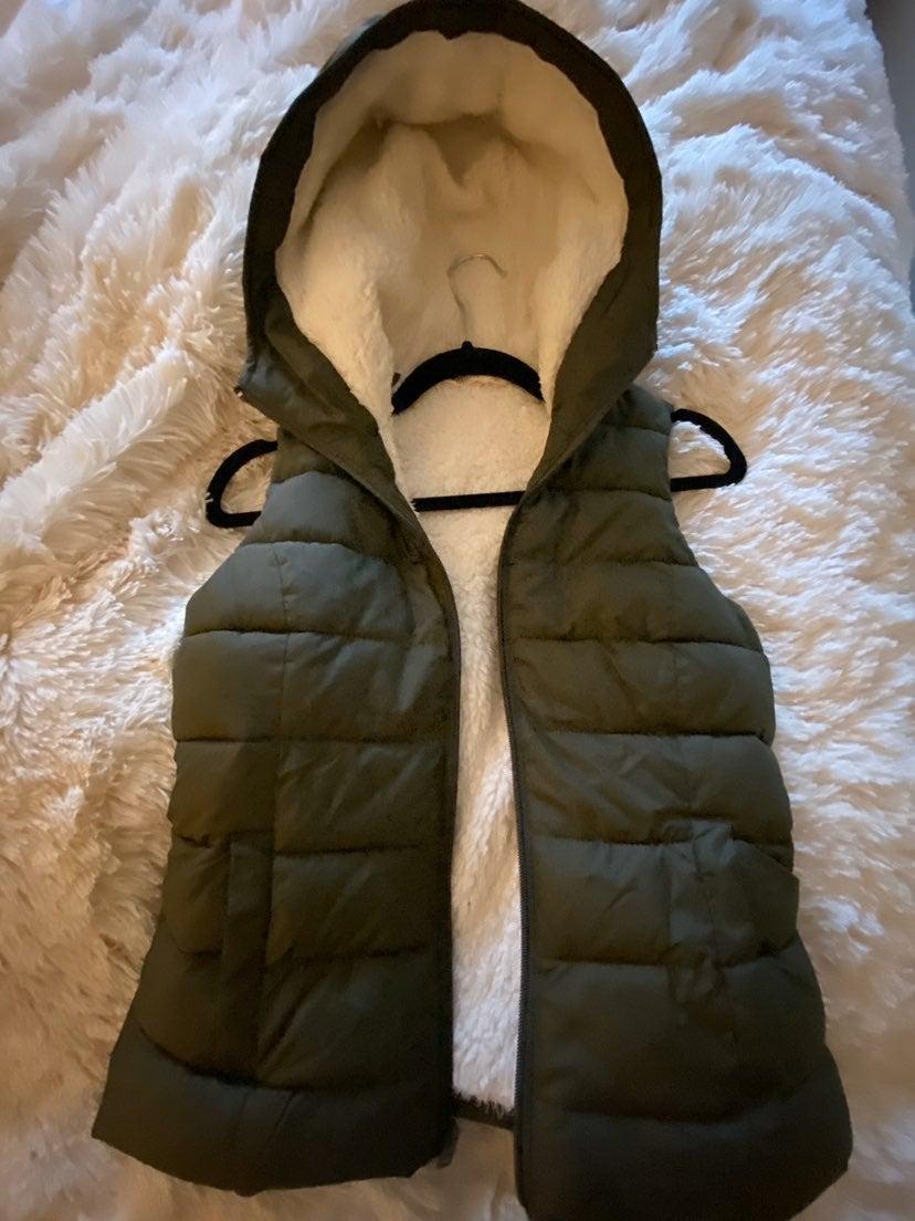 Hollister Olive Green Puffer Vest