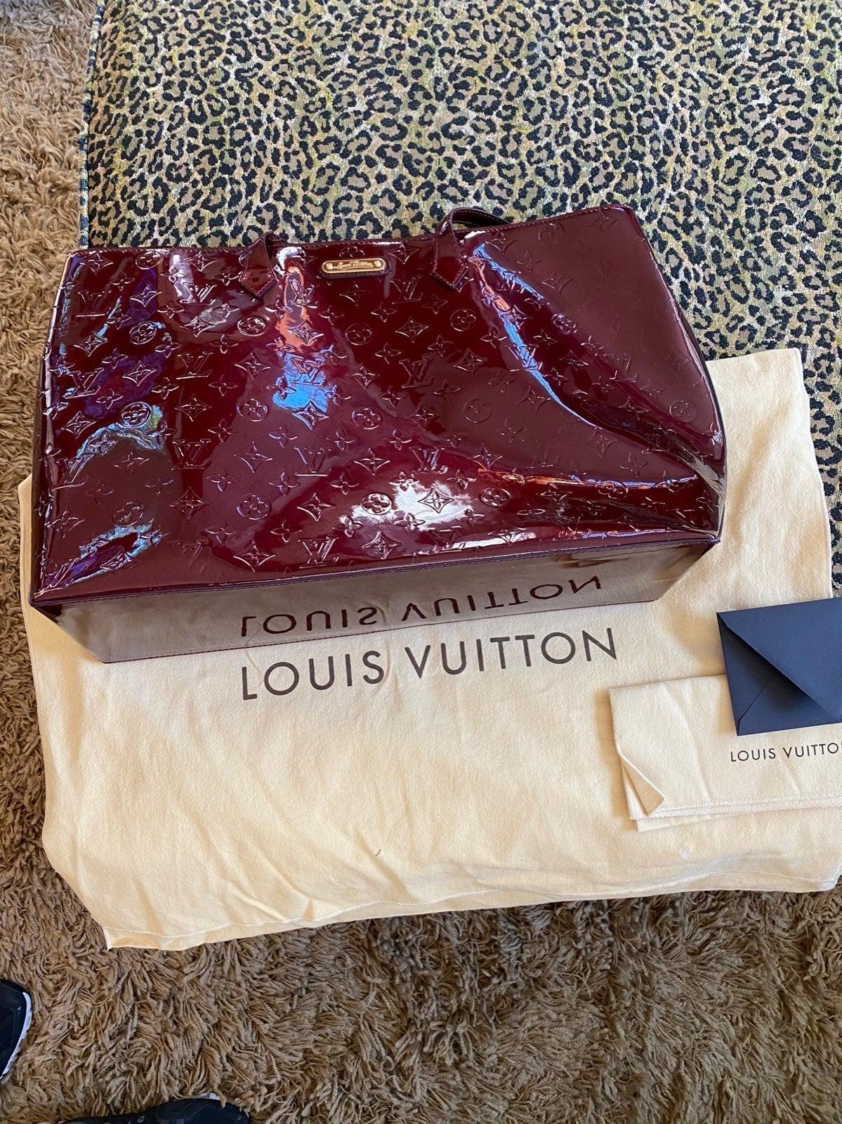 Louis Vuitton Wilshire GM. Red Vernis.