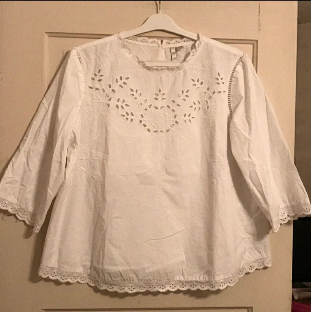 LC Lauren Conrad Embroidered Blouse