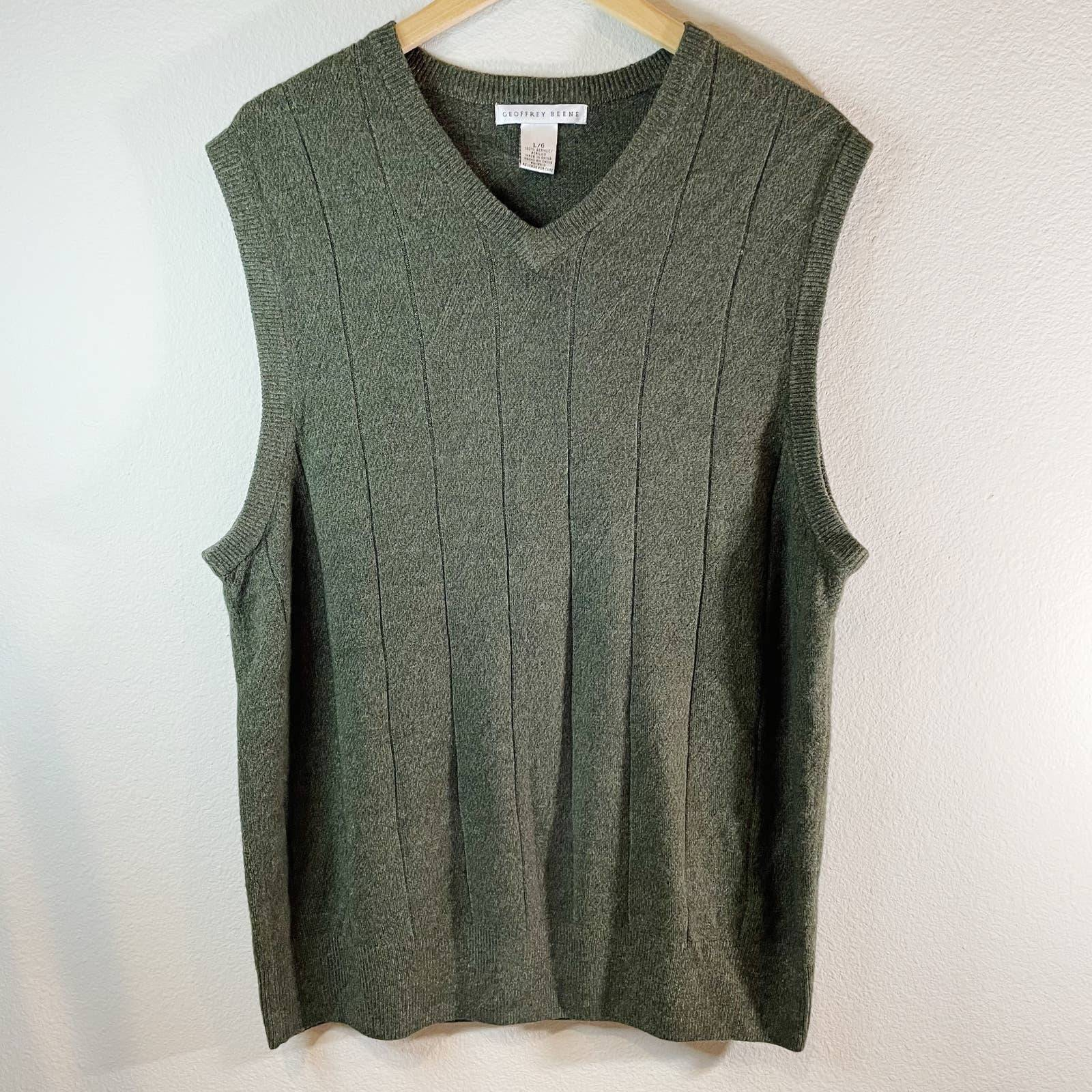 Geoffrey Beene Sweater Vest Green Large