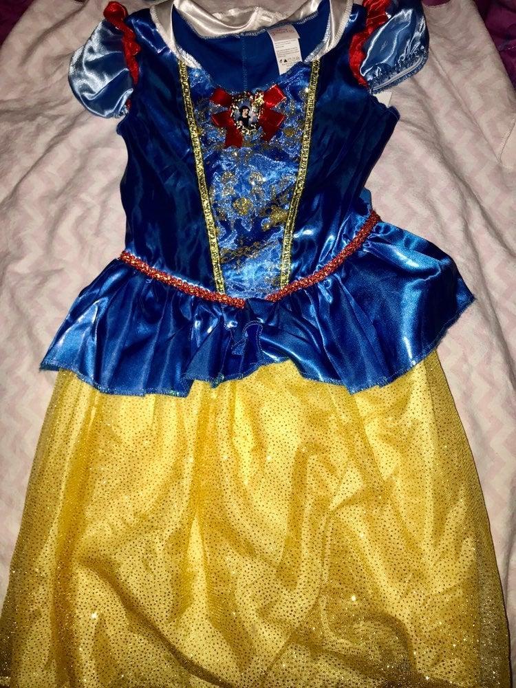 Disney Princess dress up Snowwhite