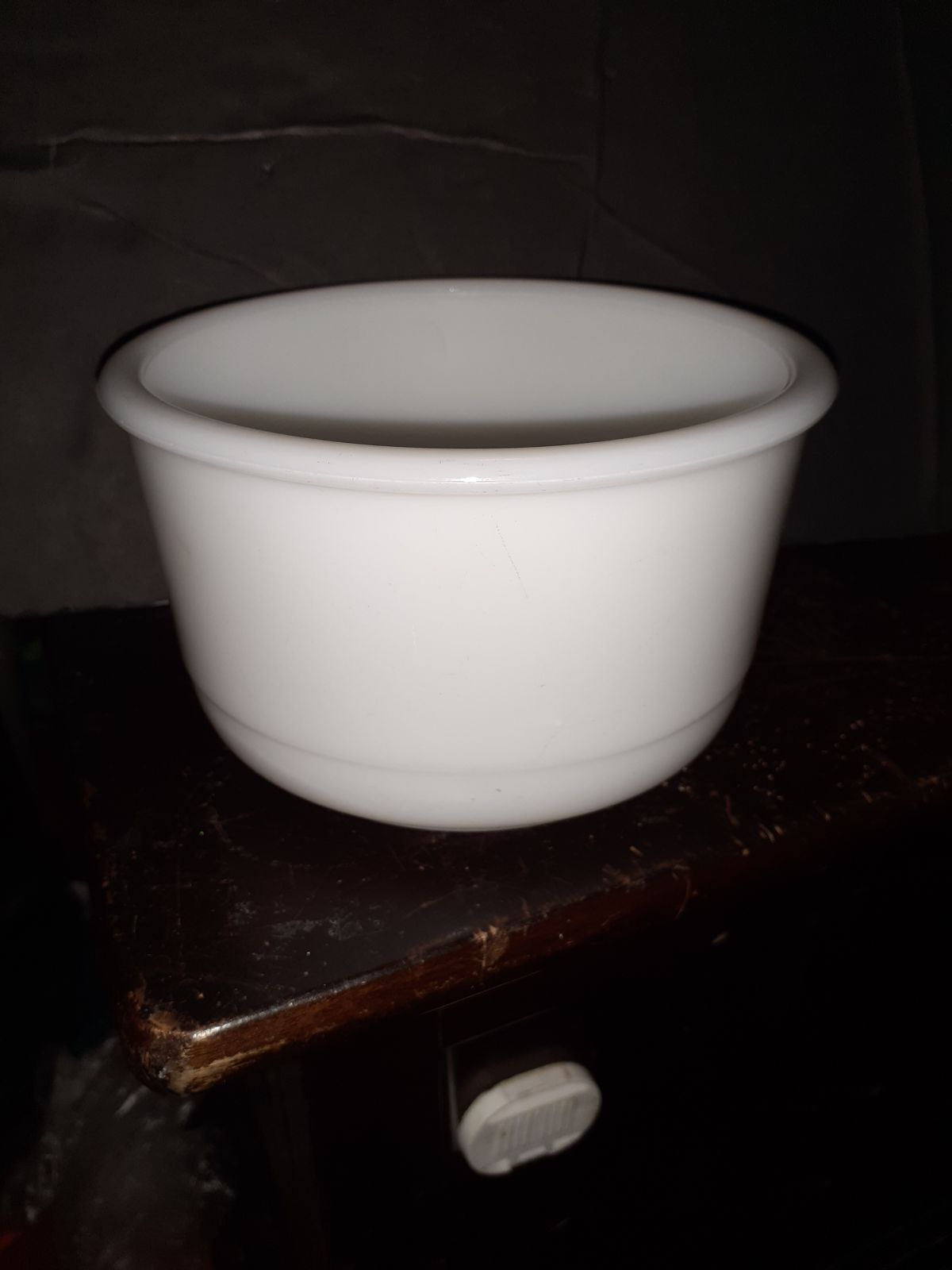 """DORMEYER MIXING BOWL 6.5"""" by 4""""Tall MILK"""