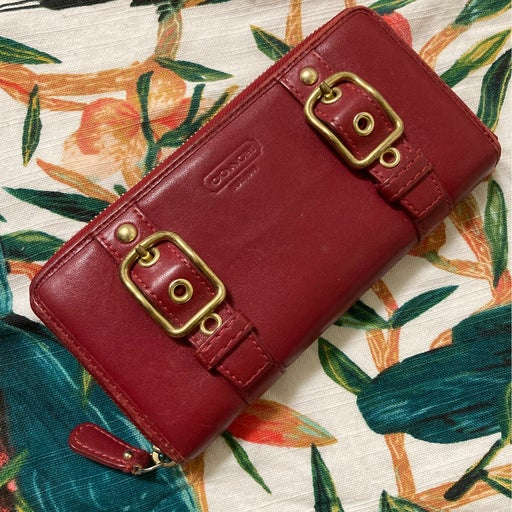 Vintage Coach zip around gold buckle wallet