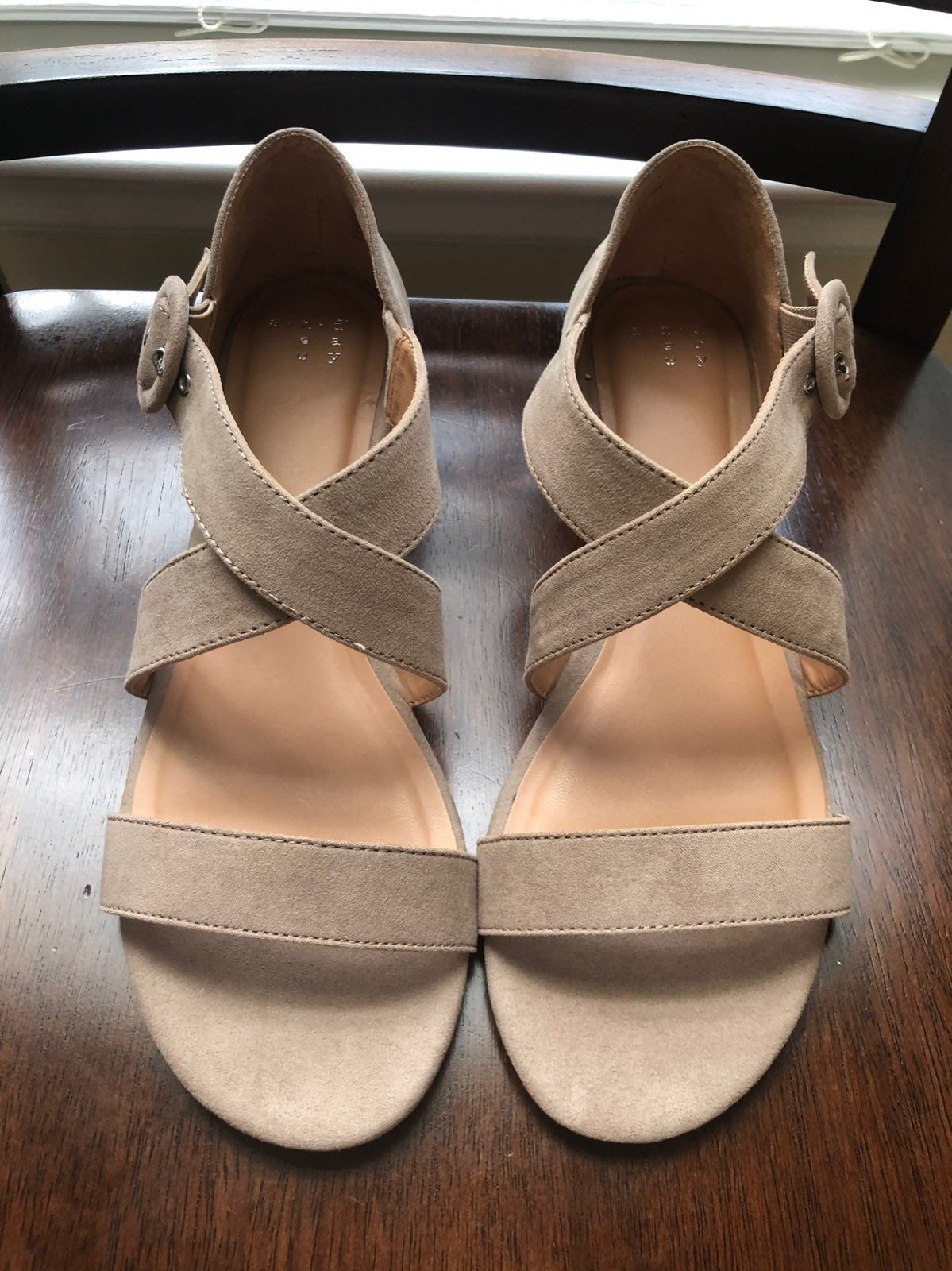 Womens sandals in size 9