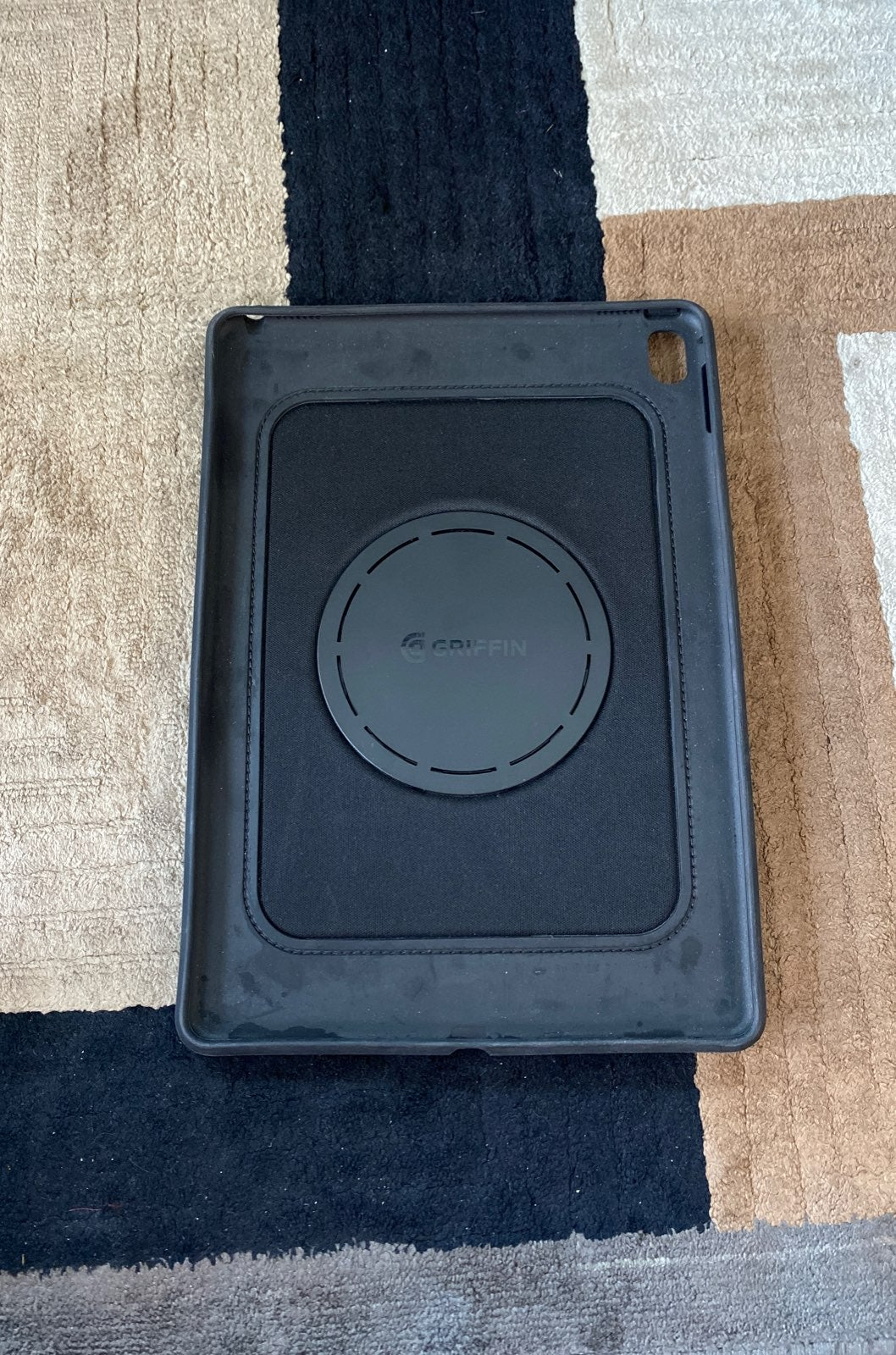Griffin Air Strap 360 for iPad