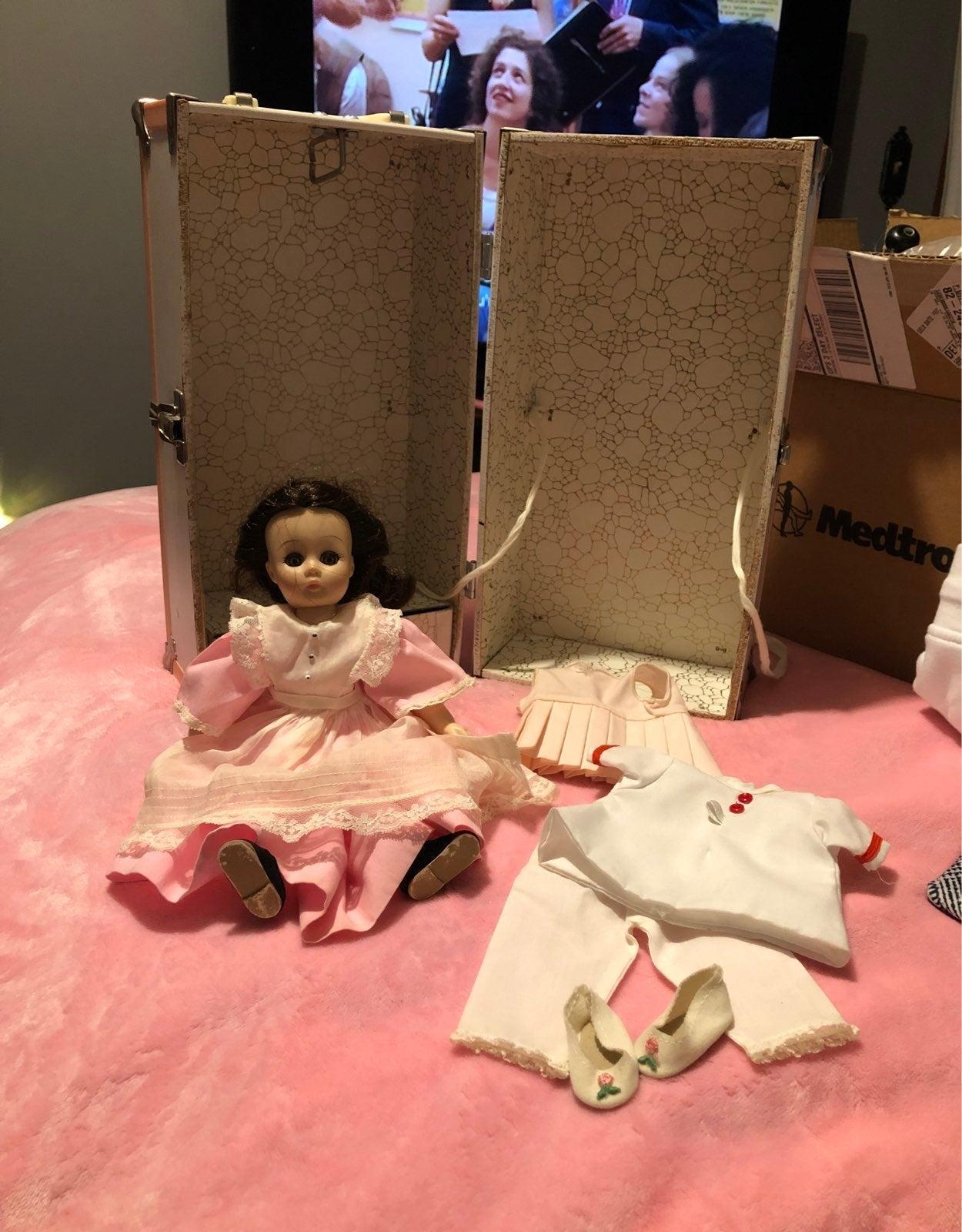 Madam Alexander Beth doll set