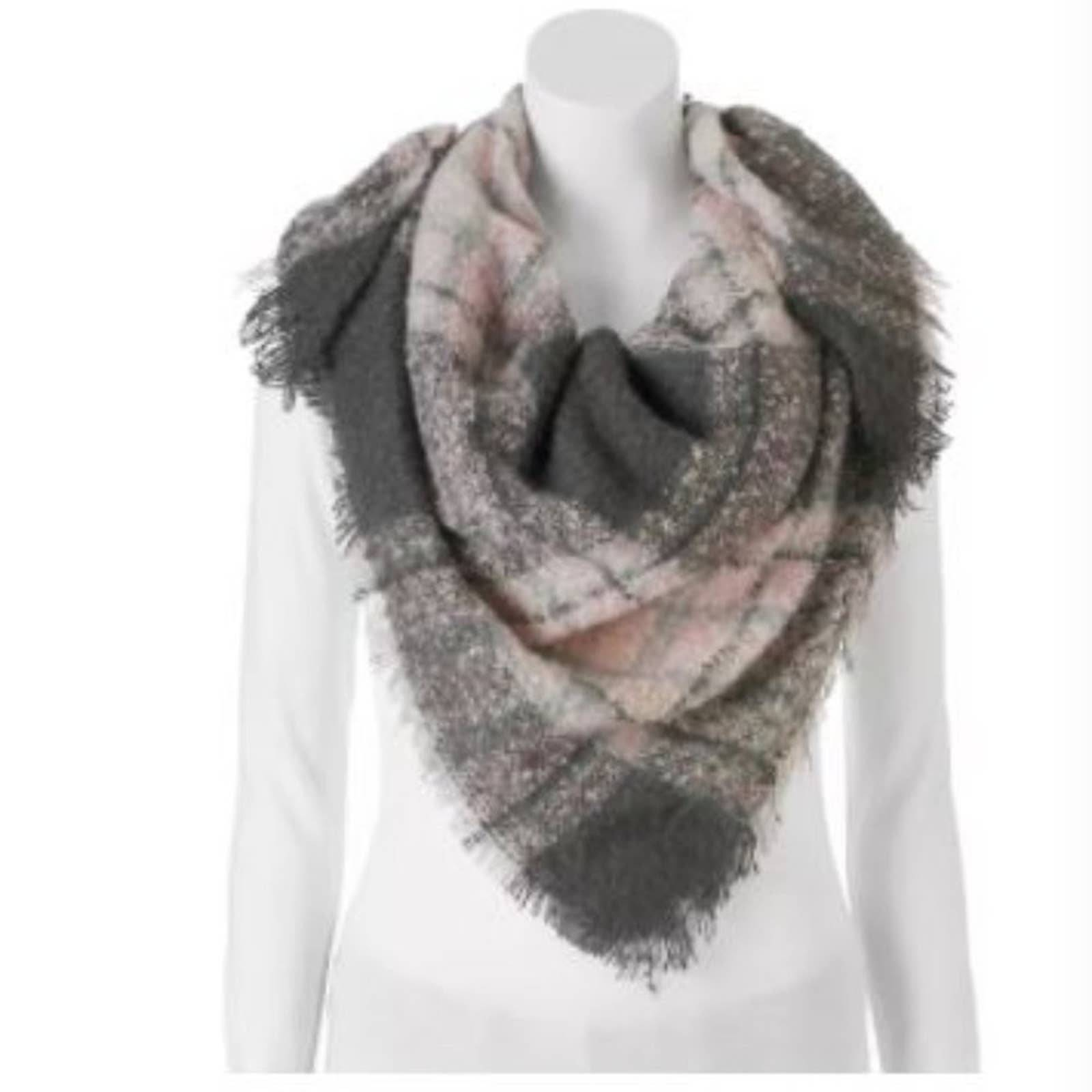 Candie's Boucle Plaid Triangle Scarf