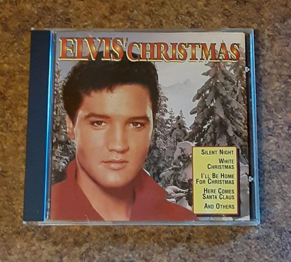 """Elvis Presley """"Elvis' Christmas"""" Compact"""