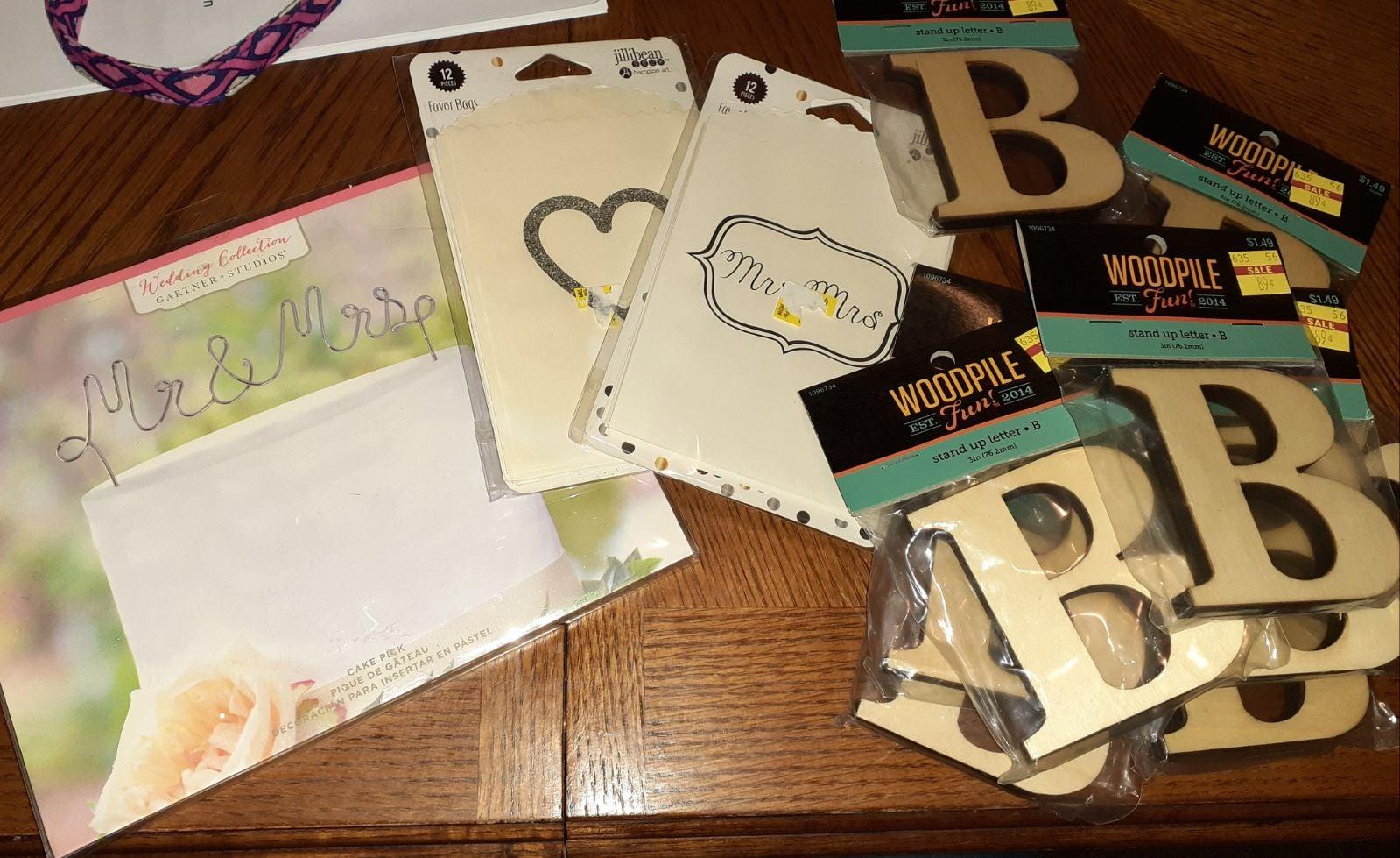 Wedding supplies Letter B, cake pick bag