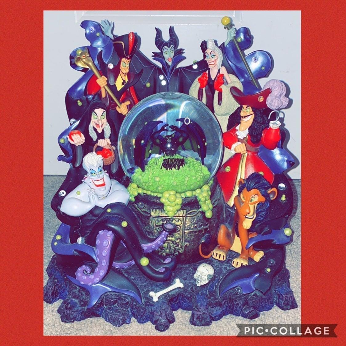 Disney villains Snowglobe