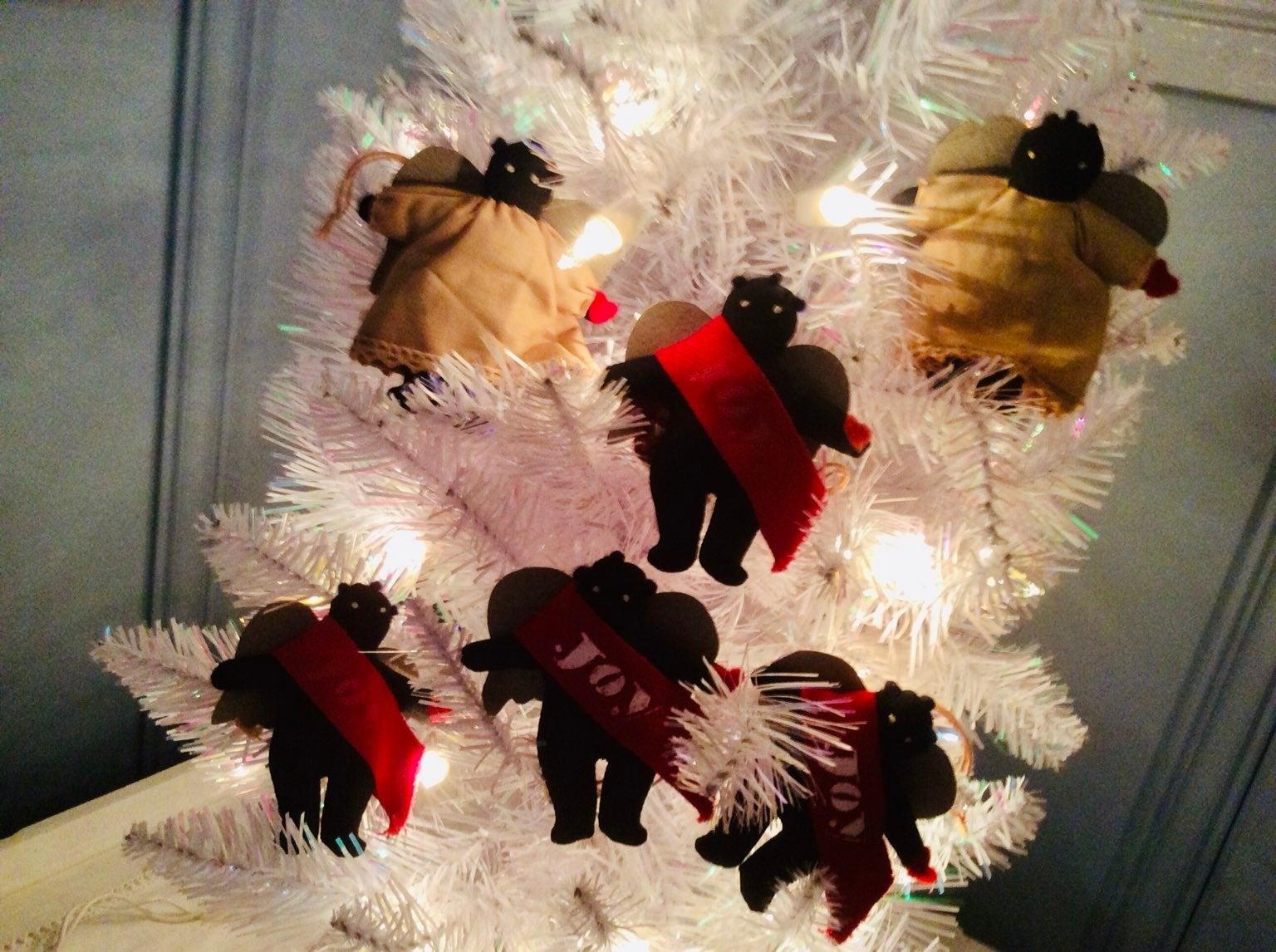 Country Christmas Folk Art Angels Orname