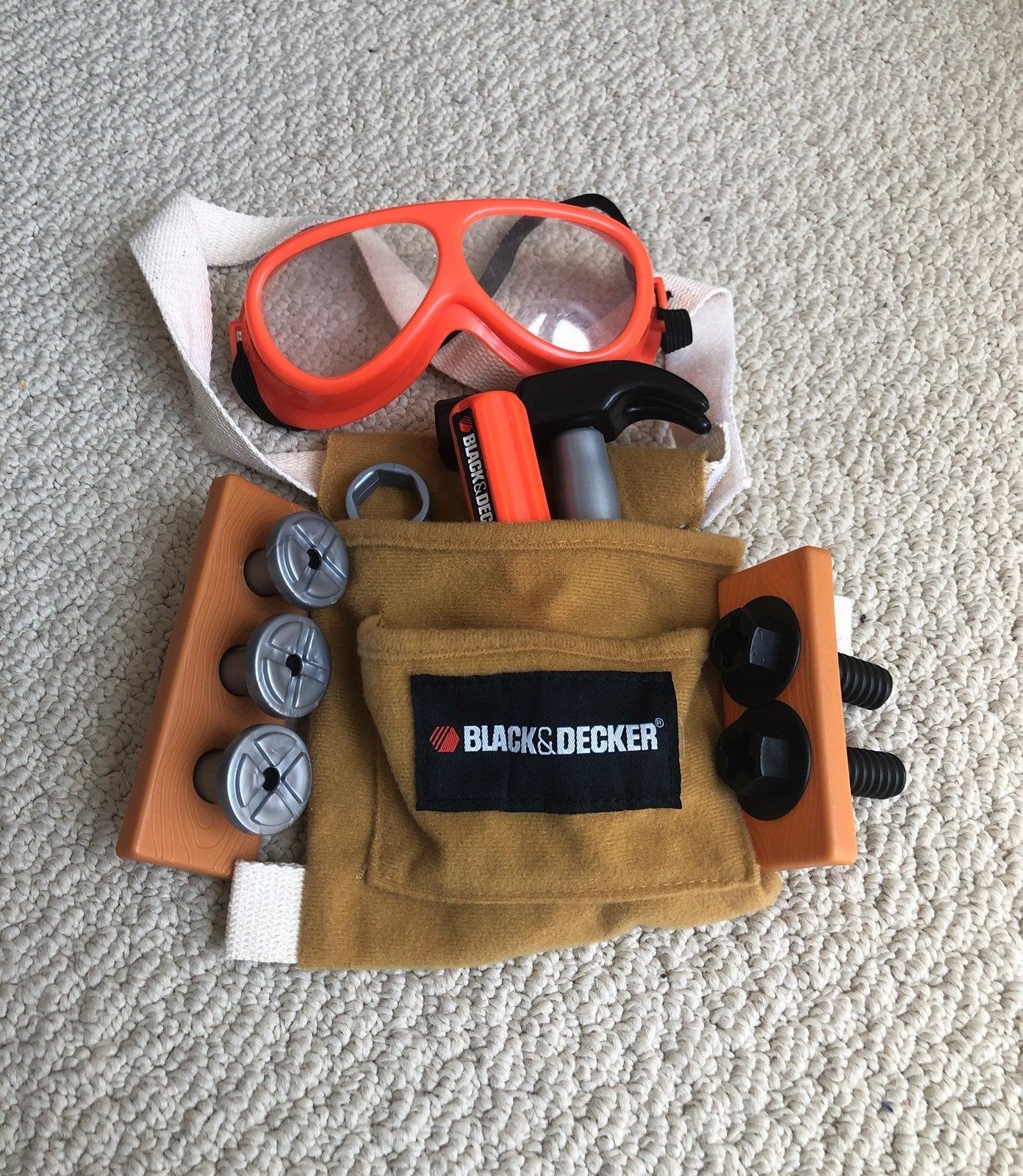 Black and decker toy tool belt