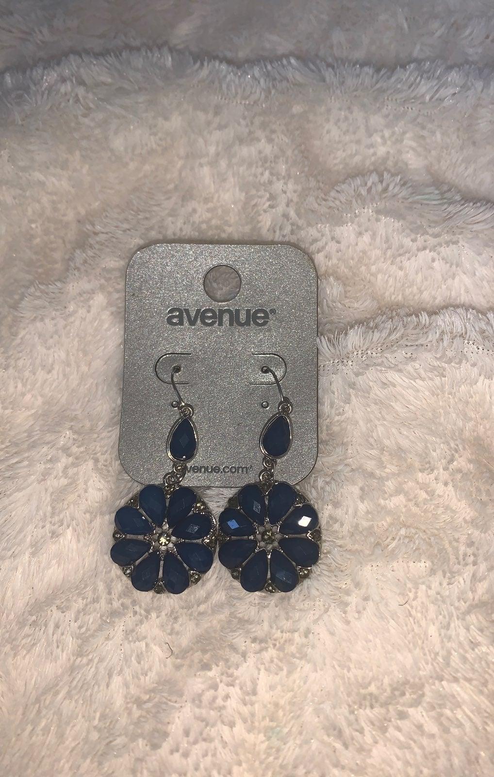 Blue crystal Flower Earrings