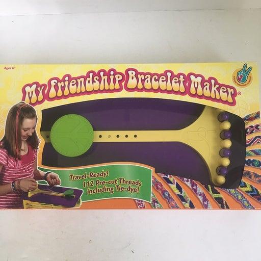 Friendship bracelet maker