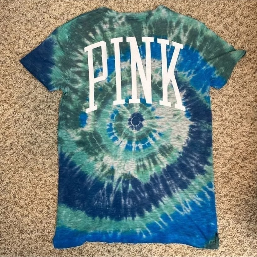 VS PINK Custom Tie Dye S/S Campus Tee