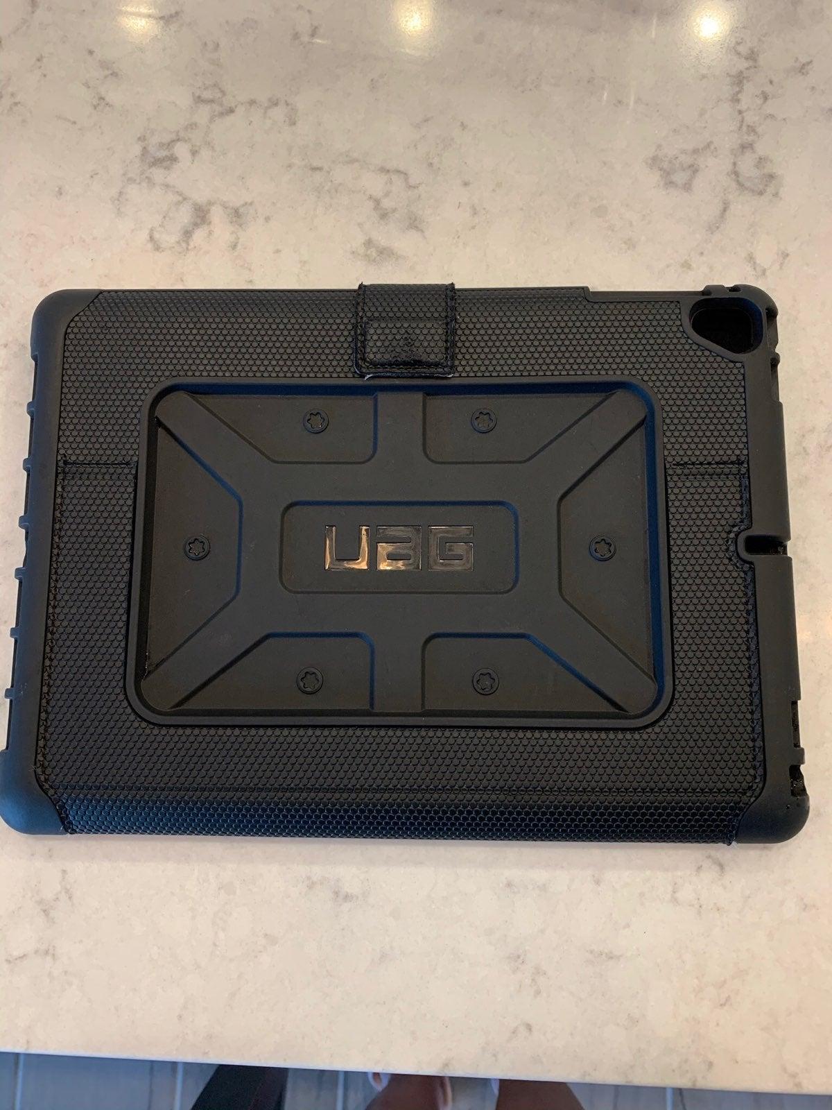 """UAG Ipad 9.7"""" cover"""