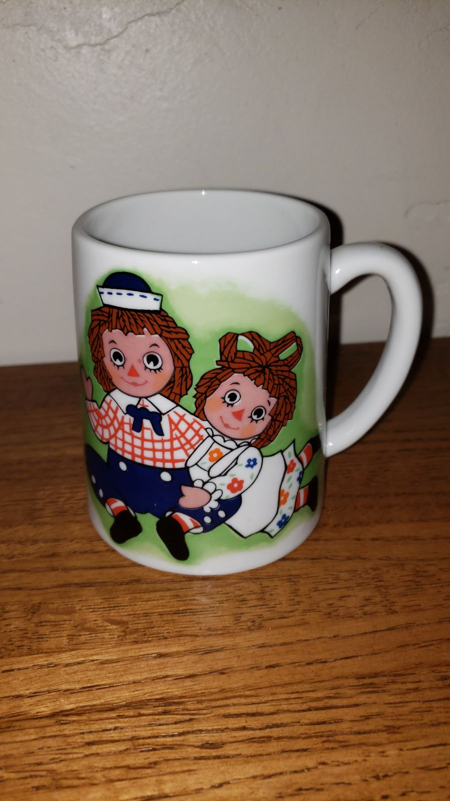 Vintage Raggedy Ann and Andy Musical Mug