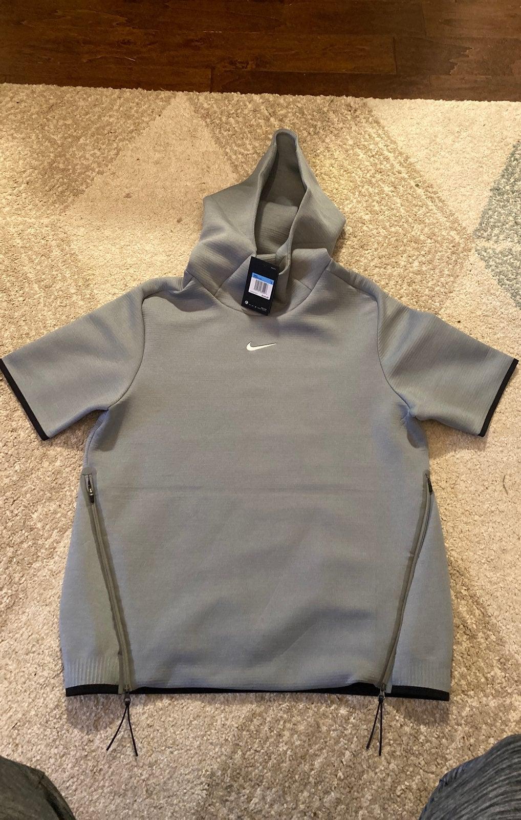 Nike mens short sleeve travel hoodie