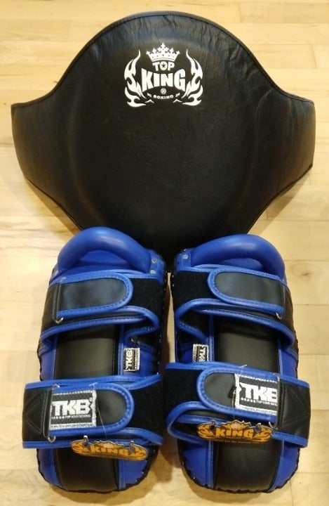 Muay Thai Top King Belly Pad & Kick Pads