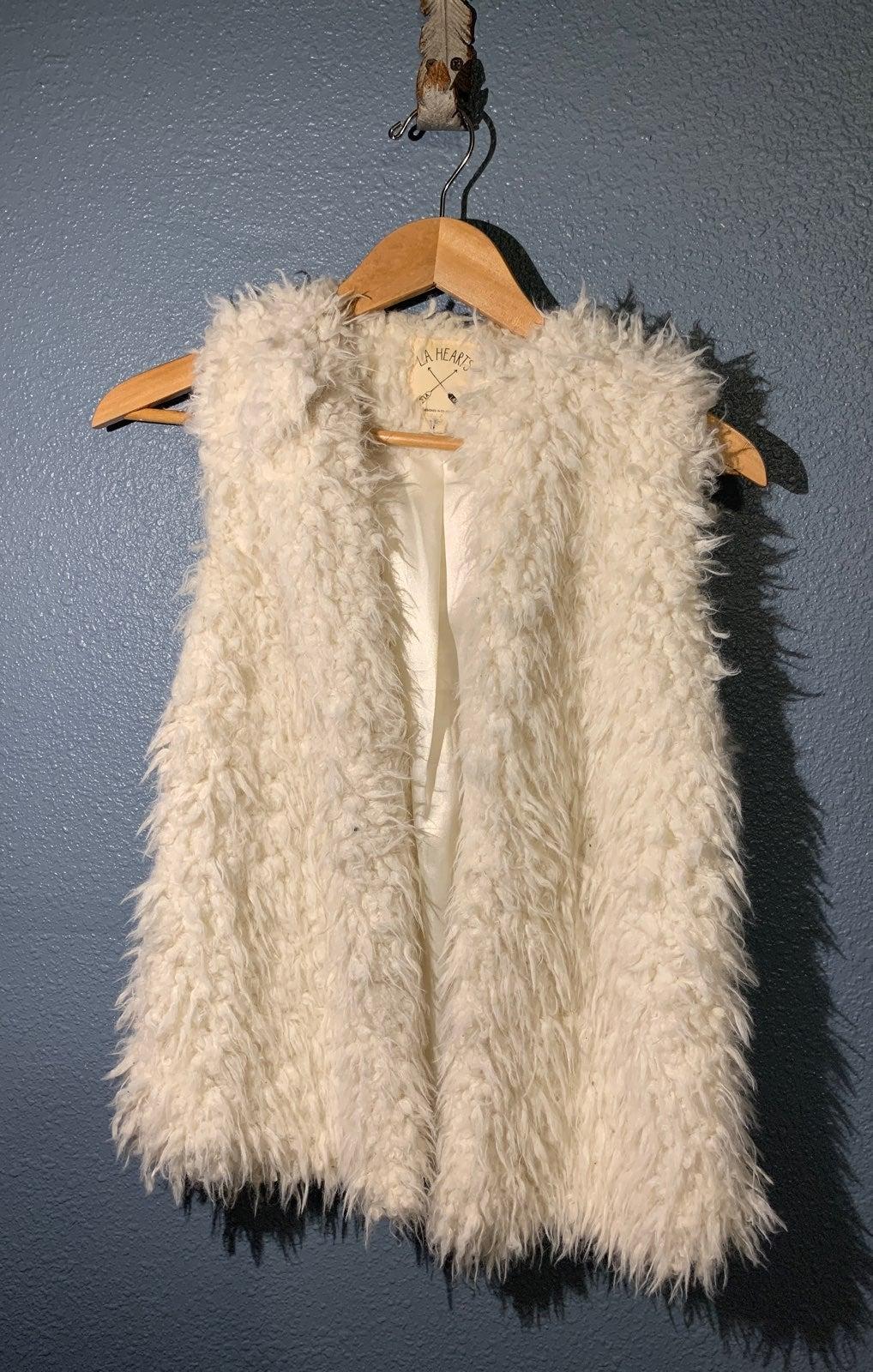 Faux Fur vest Cream La Hearts PacSun