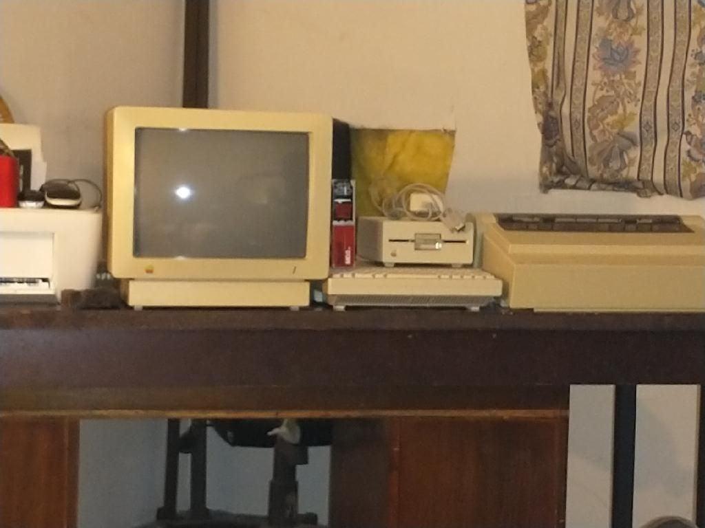 Apple II Vintage Computer Complete Setup