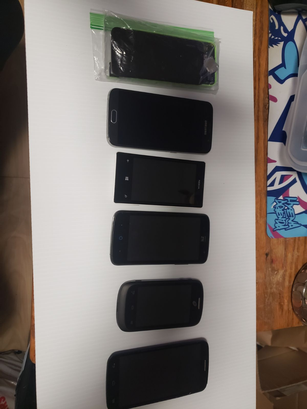 Smart Phone Lot - 6 Phones