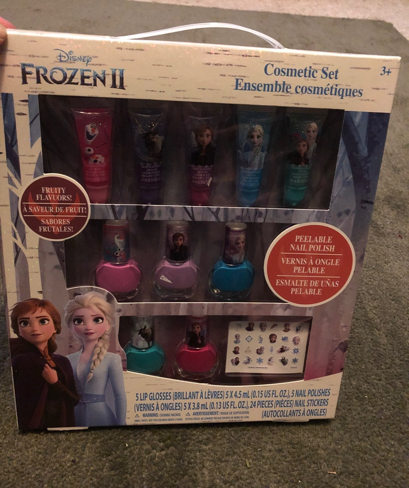 A Disney Frozen 2 Sparkly Cosmetic Set