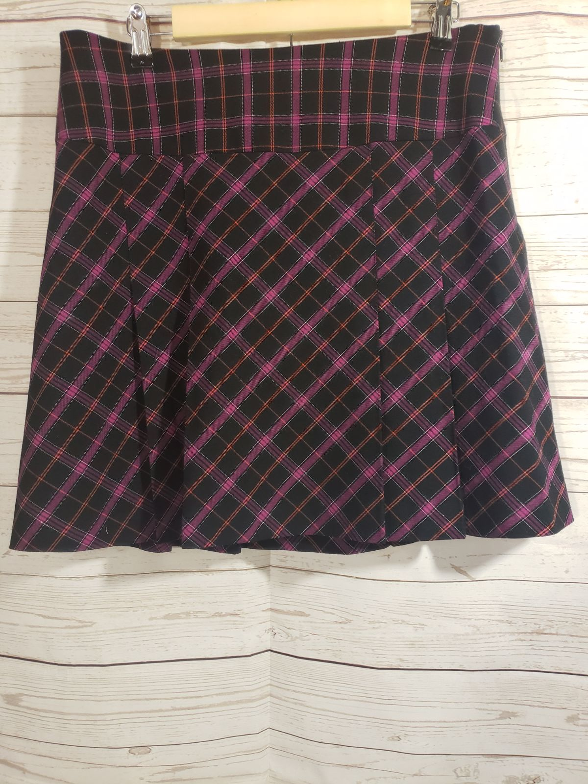 Apostrophe Sz 12 Plaid Skirt