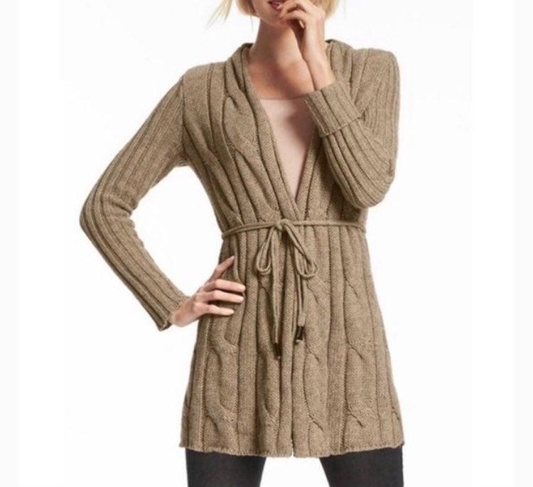 Cabi acorn cable knit cardigan (XS)