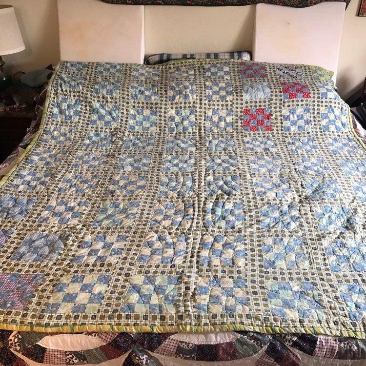 Vintage 16 patch quilt