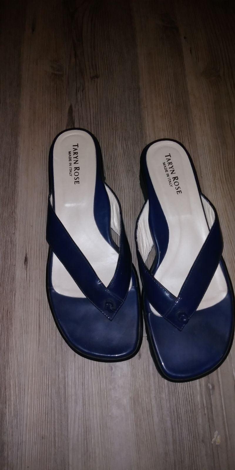 Taryn Rose sandals size 8 navy