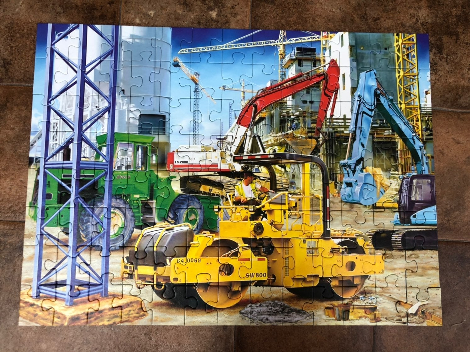 Ravensburger puzzle construction scene.