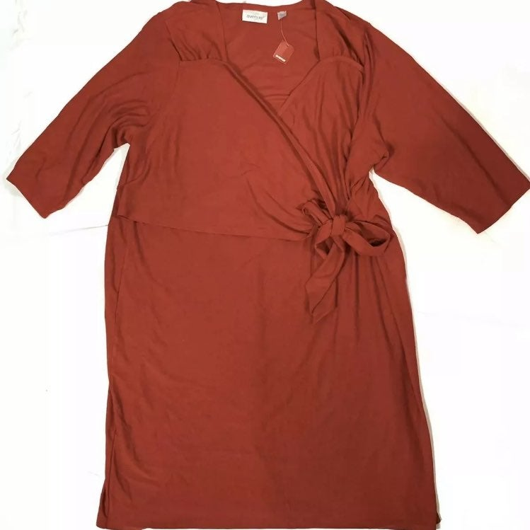 Avenue Red Dress Size 30/32 New with Tag