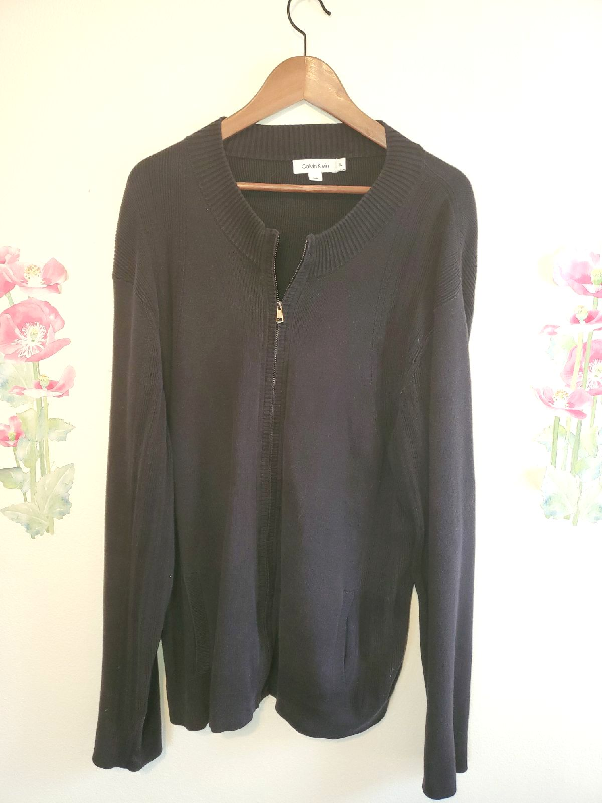Black Cardigan with Silver Accent/XL.