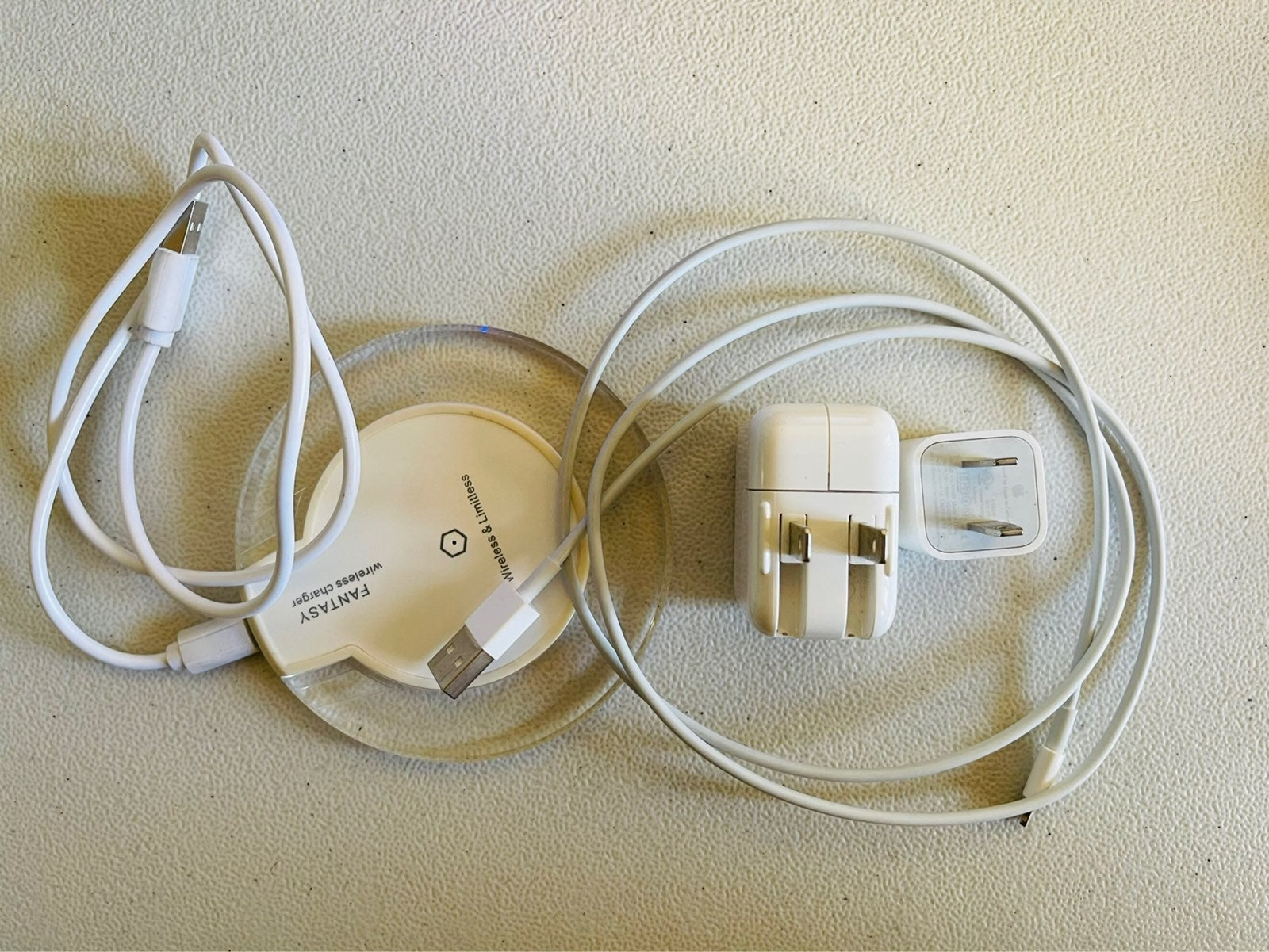 iPad and iPhone Adapter wireless charger