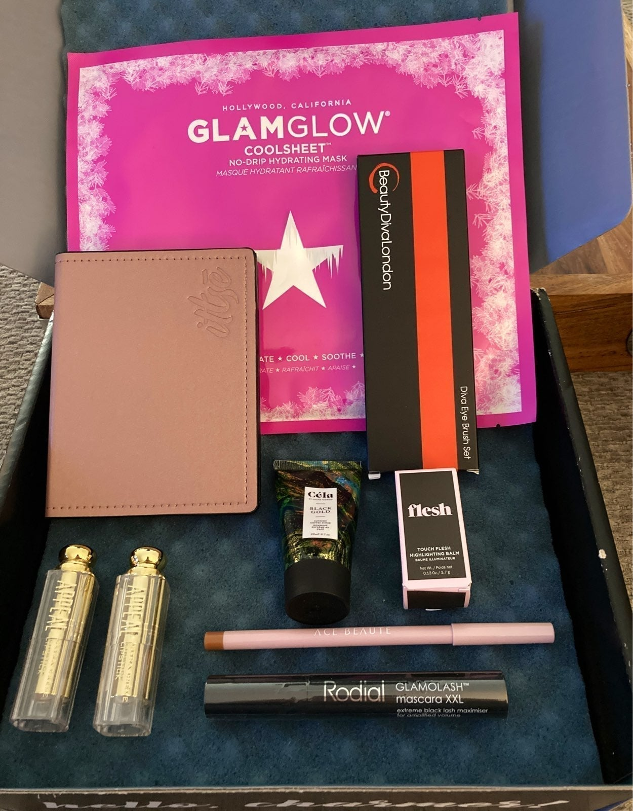 HIGH END  makeup bundle/lot $200+