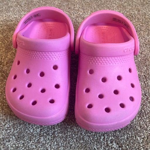 Crocs size C7 (12-24 months)