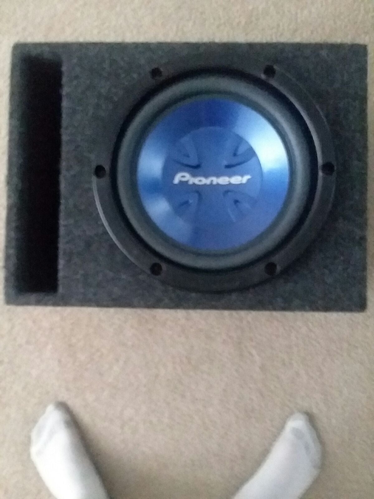 Pioneer Subwoofer in vented box brand ne