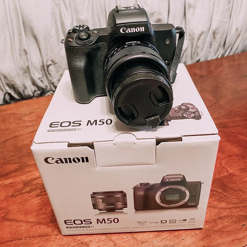 Canon EOS M50 COMES WITH EVERYTHING