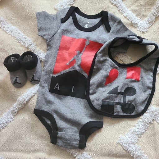 Baby boy Air Jordan 0M-6M set