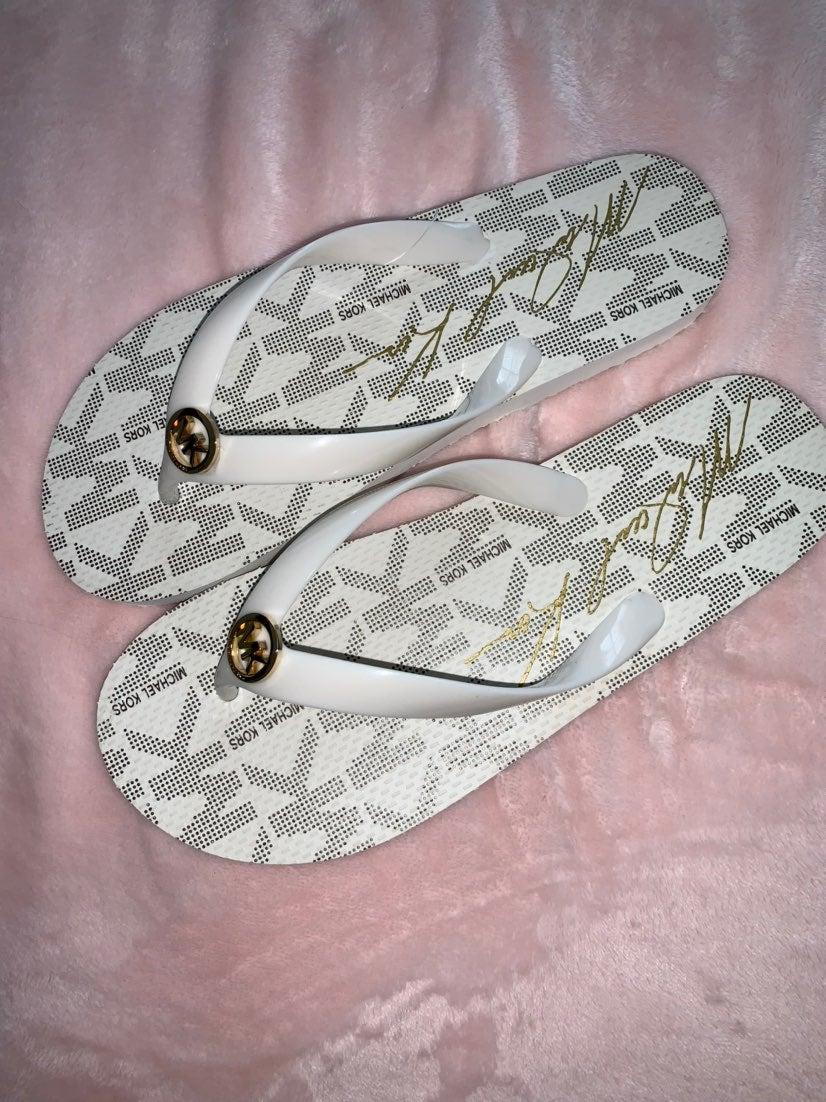Michael Kors flip flops sandals size 8
