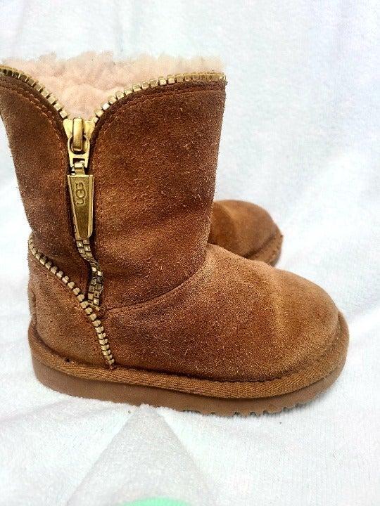 UGG Chestnut Florance Boot Child Size 8