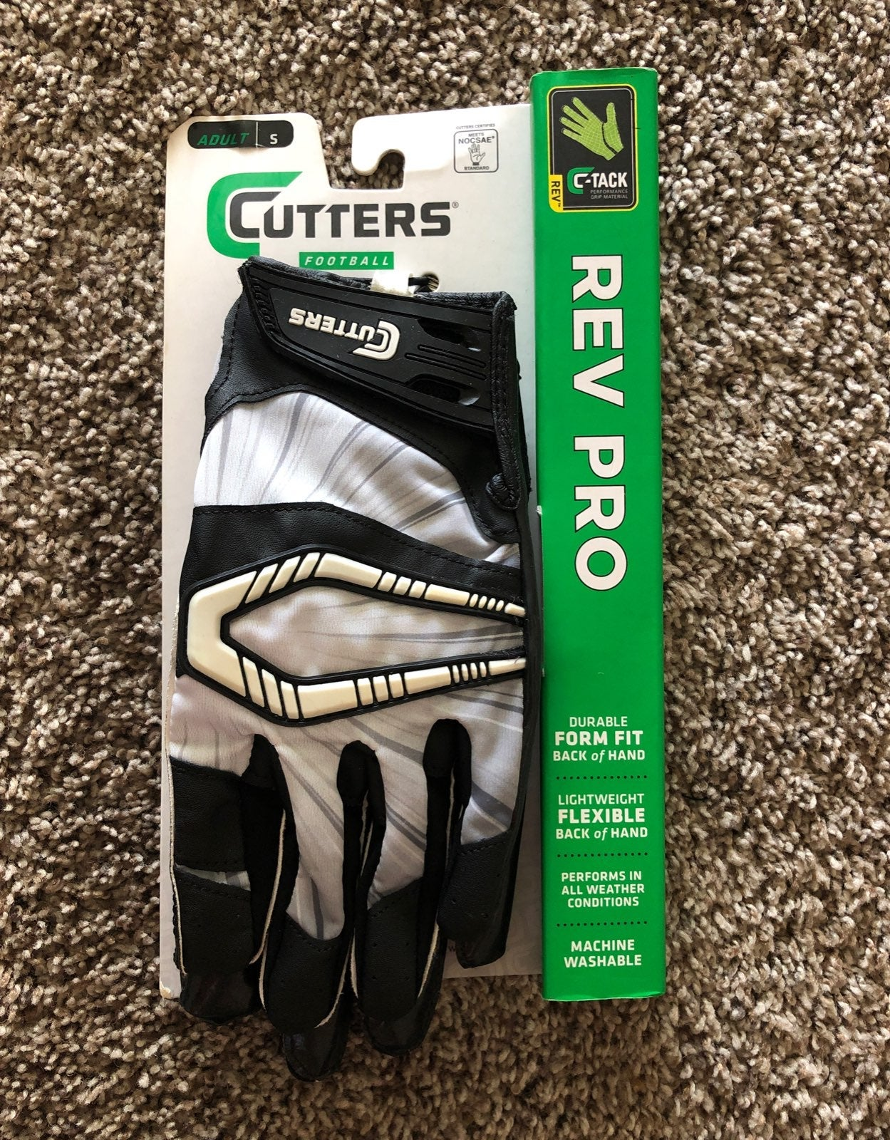 Cutters Men's Football Gloves Small NWT