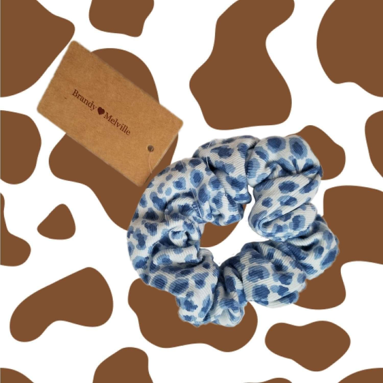 Brandy cheetah scrunchie