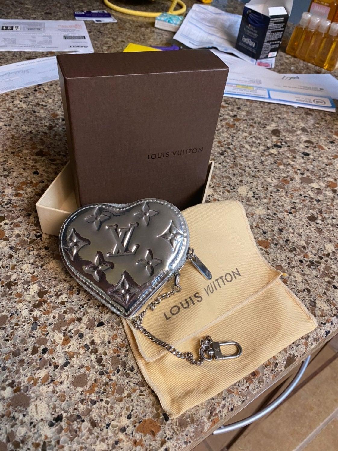 EUC Louis Vuitton heart coin purse miroi