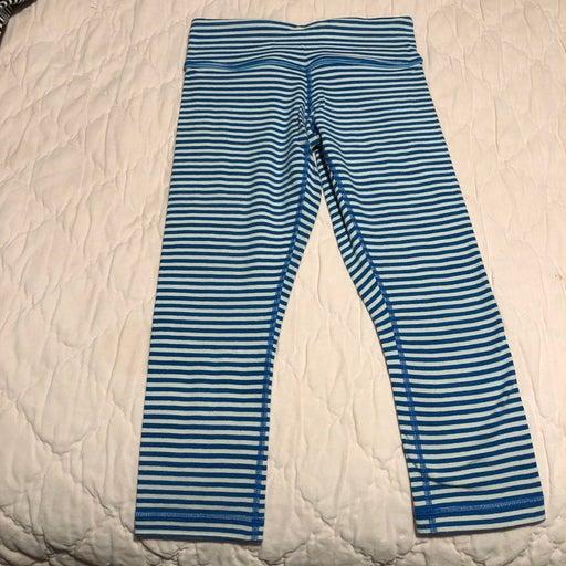 Lululemon WU stripe crop size 4