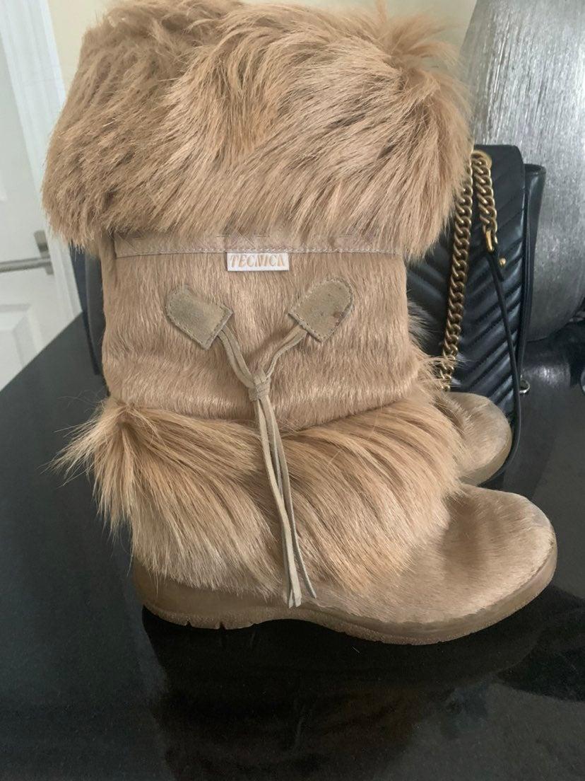 Tecnica Fur Boots 6.5