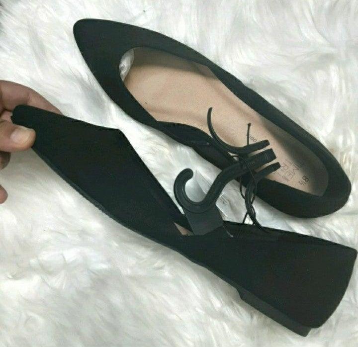 NWT Black ballet flats