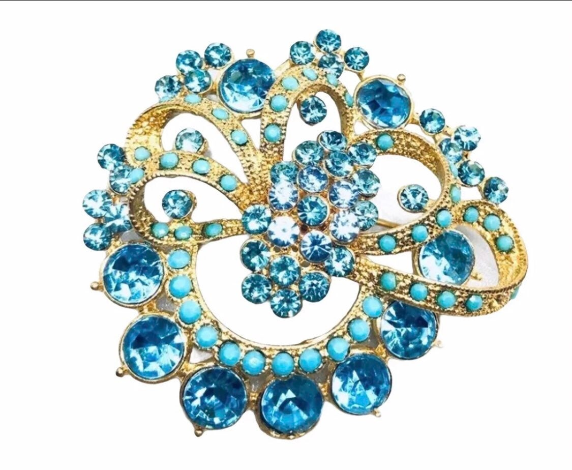 Blue Brooch boutique jewelry - new