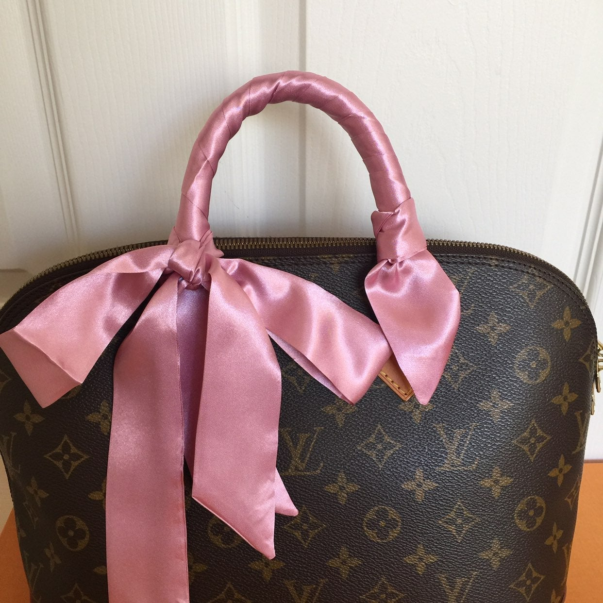 Pink color purse scarf twilly/bag handle